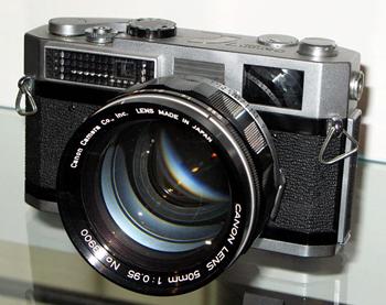 Фотоаппарат Canon 7 с объективом Canon 50mm f0.9