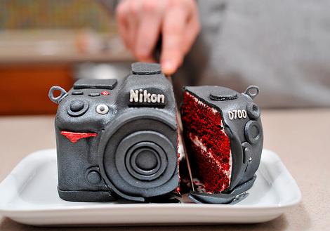 Nikon-D700-DSLR-Cake